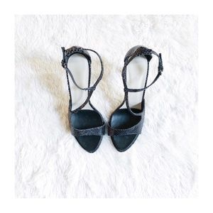 Zara Black textured Leather Simple Sandal sz40